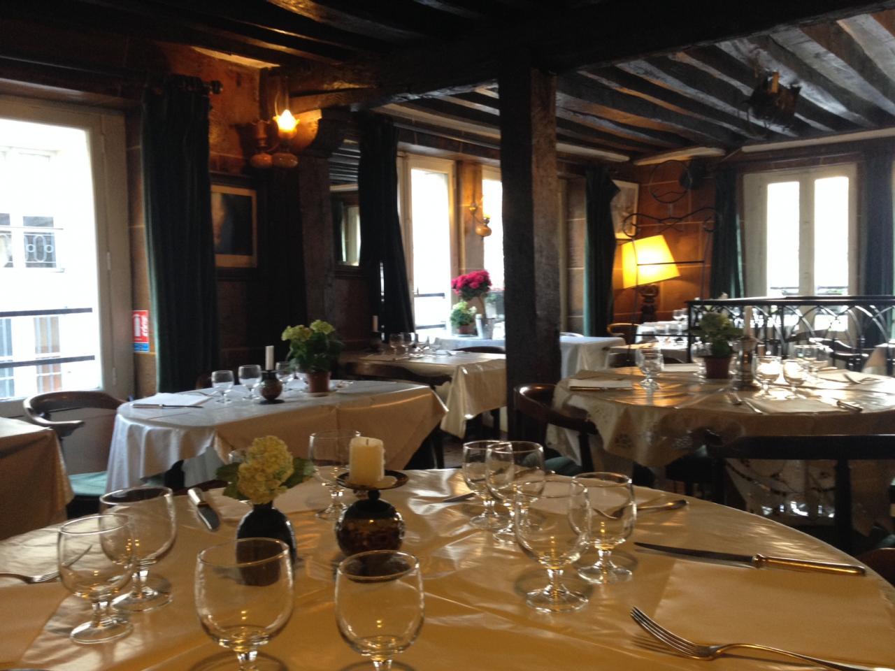 Salle du restaurant au 1er étage