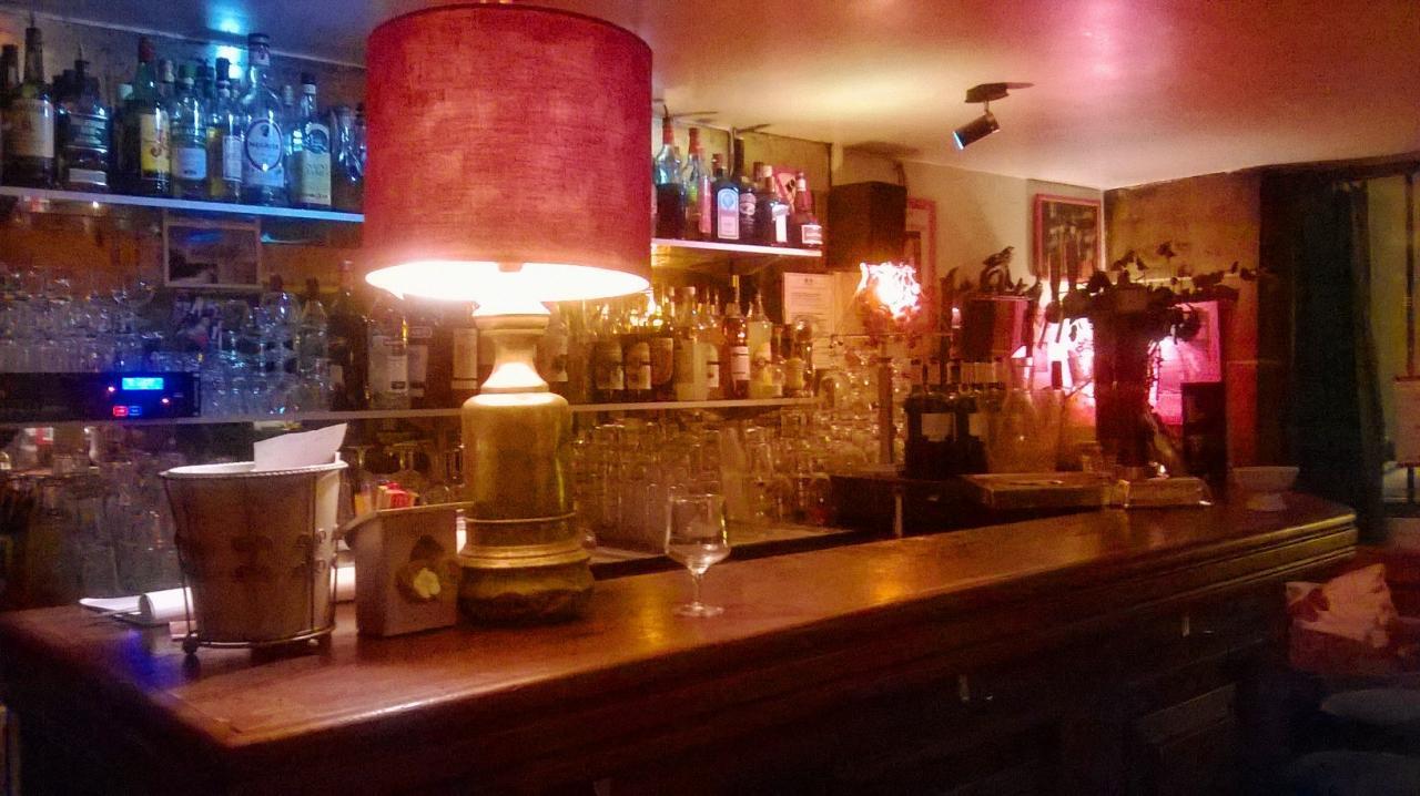 Bar R.D.C